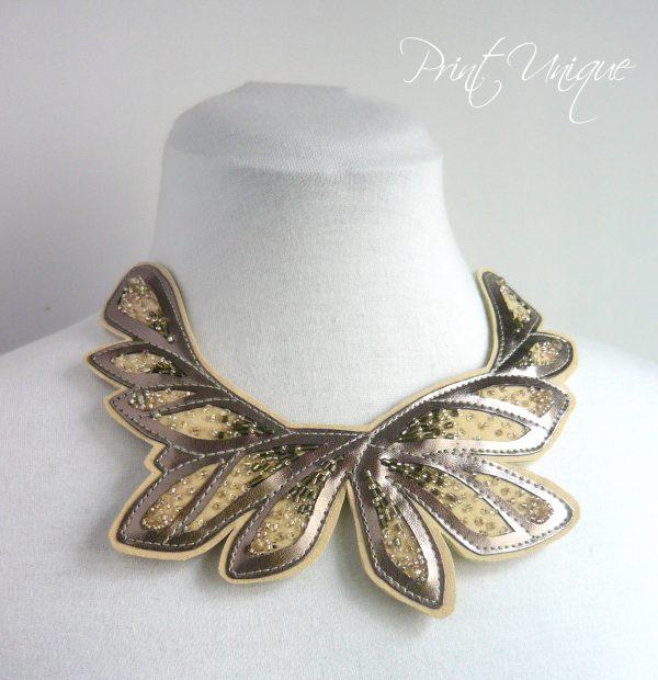 silver-damselflies-colier